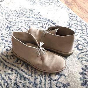 Men's Clark's desert boot taupe